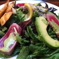 Снимок сделан в Mo's Restaurant пользователем Randall G. 11/19/2013