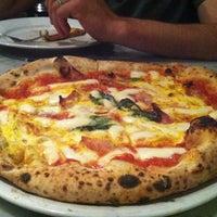 รูปภาพถ่ายที่ Settebello Pizzeria โดย Christina V. เมื่อ 11/21/2012