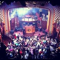 Foto scattata a Opera Nightclub da Mandy K. il 9/23/2012