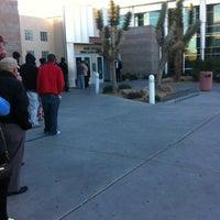 Foto tirada no(a) State of Nevada Department of Motor Vehicles por Rick W. em 12/27/2012