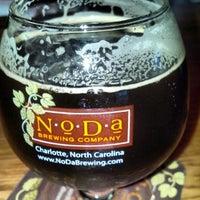 รูปภาพถ่ายที่ NoDa Brewing Company โดย Malcolm S. เมื่อ 2/27/2013