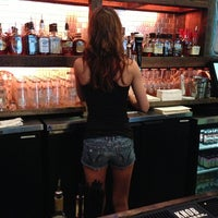 รูปภาพถ่ายที่ Cowbell Burger & Bar โดย Shafique K. เมื่อ 7/24/2013