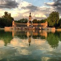 รูปภาพถ่ายที่ Parque del Retiro โดย Ayhan H. เมื่อ 6/5/2013