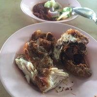 Photo Taken At Nasi Ayam Goreng Dapur Kayu By Ungku M A On 9
