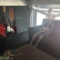 Foto tirada no(a) Monster Headquarters por 💀Crizzy💀 em 12/26/2012