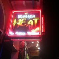 Foto tomada en Bourbon Heat por Ms. Ally el 5/28/2013