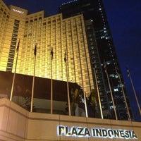 5/15/2013 tarihinde 4y 5.ziyaretçi tarafından Plaza Indonesia'de çekilen fotoğraf