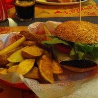 Foto tirada no(a) Bernie's Diner por Carla C. em 2/16/2013
