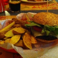 Foto scattata a Bernie's Diner da Carla C. il 2/16/2013
