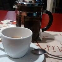 Photo prise au Amo Ato cafetería par Helenovska A. le8/22/2015