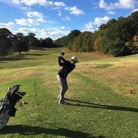 Photo prise au Candler Park Golf Course par Jessika M. le10/21/2016