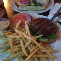 Foto diambil di Opal Bar & Restaurant oleh Rafael C. pada 1/30/2013