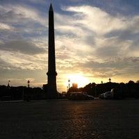 Das Foto wurde bei Obelisk von Luxor von Thomas E. am 6/12/2013 aufgenommen