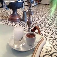 Снимок сделан в Ali Baba Restaurant & Nargile пользователем Serkan K. 4/22/2015