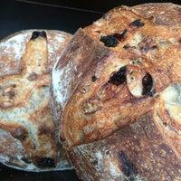 Foto diambil di Levain Bakery oleh Joy M. pada 3/21/2015