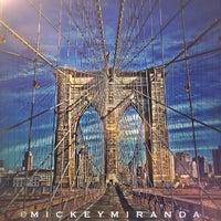 Das Foto wurde bei Brooklyn Bridge von Mickey M. am 7/11/2013 aufgenommen