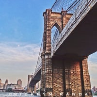 Das Foto wurde bei Brooklyn Bridge von Mickey M. am 5/30/2013 aufgenommen