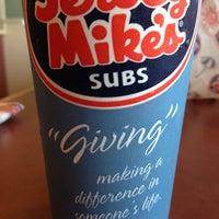 Foto tirada no(a) Jersey Mike's Subs por Leo P. em 7/18/2013