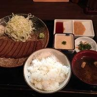 4/17/2015 tarihinde Nagayoshi Y.ziyaretçi tarafından Gyukatsu Motomura'de çekilen fotoğraf