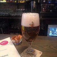 Foto scattata a Бельгийская пивная «0.33» / Brasserie belge 0.33 da Steve C. il 3/20/2015
