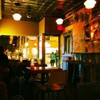 Foto scattata a Bar Neon da Lauren S. il 2/10/2013