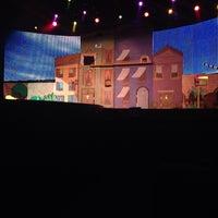 4/9/2014 tarihinde Tracy S.ziyaretçi tarafından Comedy Pet Theater'de çekilen fotoğraf