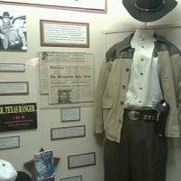 Foto tirada no(a) Texas Ranger Hall of Fame and Museum por Doug C. em 6/27/2011