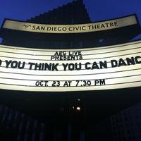 Photo prise au San Diego Civic Theatre par Pam L. le10/24/2012