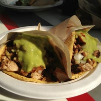 Foto diambil di Los Tacos No.1 oleh Andrew C. pada 7/20/2013