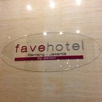 Foto tomada en Liberta Hotel Kemang (formerly favehotel Kemang) por Sumeth J. el 11/27/2012