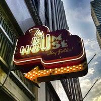 Foto diambil di The Rum House oleh Luis R. pada 6/23/2013