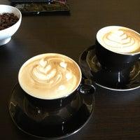 Foto scattata a Coftale Specialty Coffee House da Nora D. il 3/10/2013