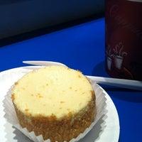 รูปภาพถ่ายที่ Eileen's Special Cheesecake โดย soul เมื่อ 10/8/2012