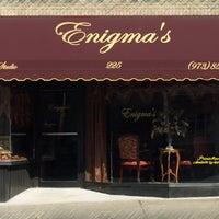 Foto tomada en Enigma Hair Studio, LLC por Enigma Hair Studio, LLC el 1/9/2015