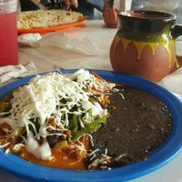 Foto scattata a Frida Chilaquiles da Sue C. il 8/21/2016