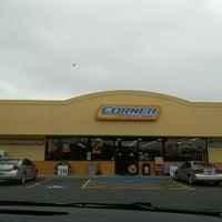 Foto diambil di Corner Store oleh Yvonne C. pada 3/17/2013