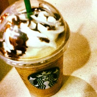 Das Foto wurde bei Starbucks von Alesson N. am 9/1/2013 aufgenommen