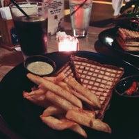Das Foto wurde bei Toasteria Cafe von Billy H. am 4/12/2014 aufgenommen