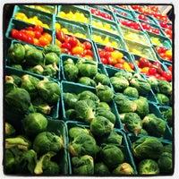 Photo prise au Union Market par Katie C. le12/15/2012