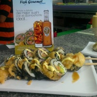 Photo taken at Fish Gourmet Express by Eliangel B. on 4/12/2013