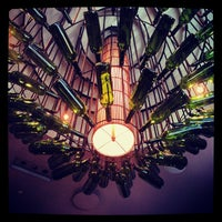 Foto tomada en Sonoma Wine Garden por Andia B. el 10/5/2013