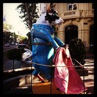 Das Foto wurde bei Hotel Wellington von Ana am 5/20/2013 aufgenommen