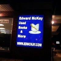 Foto scattata a Edward McKay Used Books da Richard C. il 11/27/2012