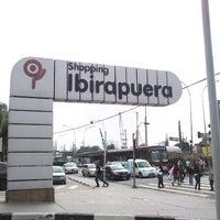 Foto tirada no(a) Shopping Ibirapuera por Luísa G. em 11/15/2012