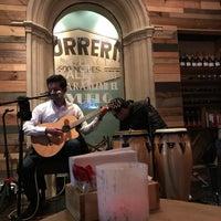 Foto tomada en 500 Noches Cafe-bar por Martha B. el 1/13/2018