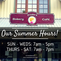 5/27/2015 tarihinde Frida's Bakeryziyaretçi tarafından Frida's Bakery'de çekilen fotoğraf