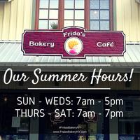 Foto tomada en Frida's Bakery por Frida's Bakery el 5/27/2015