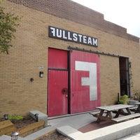 11/28/2012 tarihinde Kim A.ziyaretçi tarafından Fullsteam Brewery'de çekilen fotoğraf