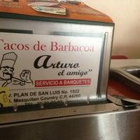 Foto tomada en Tacos de Barbacoa El Amigo por Axa Gozadero el 7/5/2013
