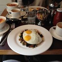 10/8/2012にGeoffrey L.がCafe Clunyで撮った写真